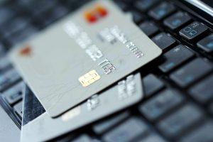 Krav for å få kredittkort og drivstoffkort